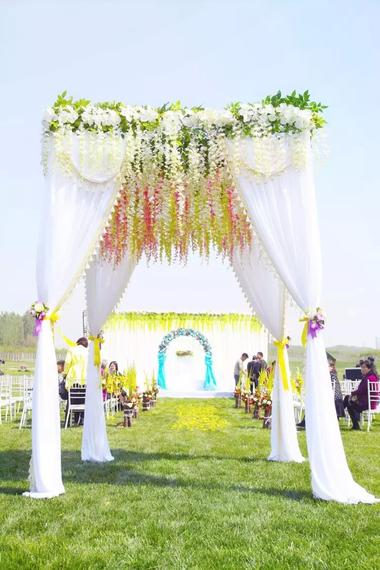 天下婚典草坪户外婚礼大片新鲜出炉