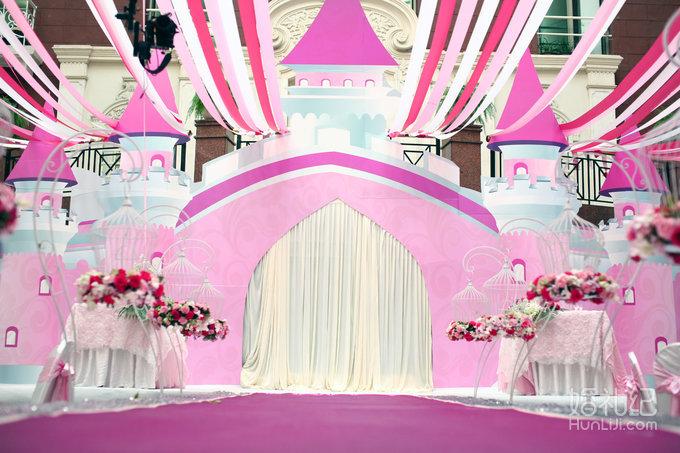 粉色喷绘婚礼欧式