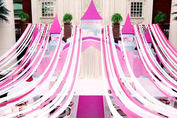 4,3d立体高端婚礼背景纱幔架(3座)或喷绘背景桁架(15平米) 5,欧式唯美