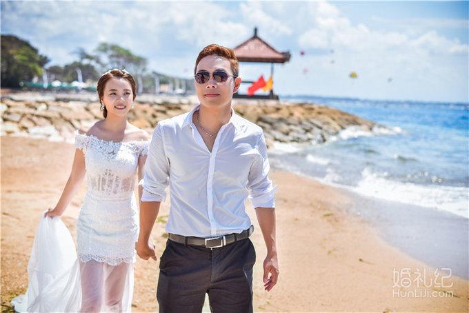 婚礼场地:巴厘岛美乐滋海边教堂婚 婚礼主题:教堂婚礼 婚礼摄影