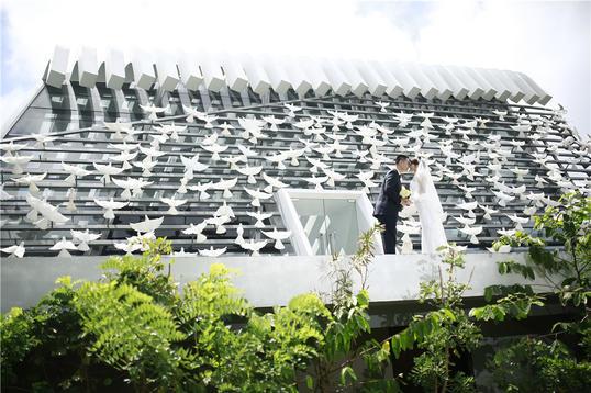 巴厘岛悦榕庄圣白羽教堂婚礼