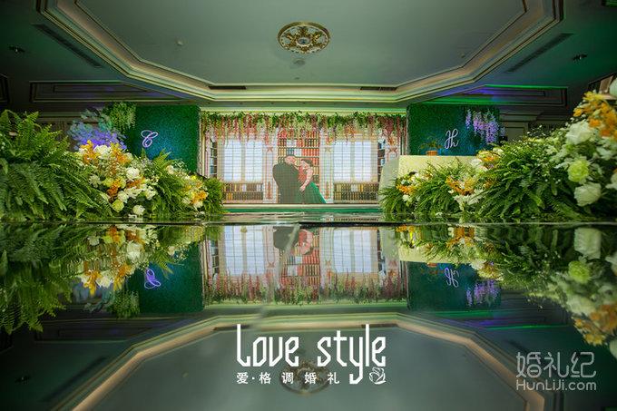 婚礼主题:森林系 婚礼摄影:洛格绘忆影像社 婚礼摄像:一格影视 化妆图片