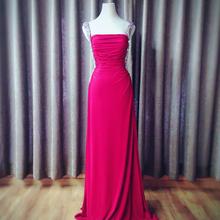 红色优雅贵气礼服