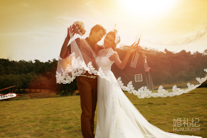 甜美可爱,传统经典,端庄优雅,唯美自然 拍摄景点:外景基地 尚品格婚纱