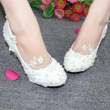 白色蕾丝水滴珍珠婚鞋中高跟新娘鞋韩版时尚公主鞋
