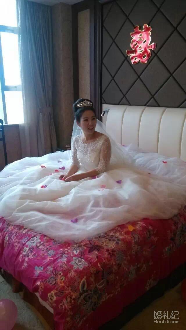 新娘跟妆,婚纱礼服设计作品欣赏,婚礼纪 hunliji.com