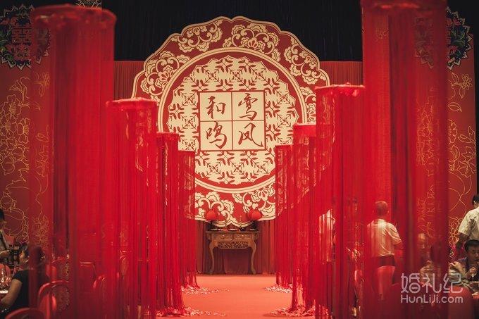 加入了传统的中式主题设计,以希望透过精致的细节,来完美呈现婚礼的图片