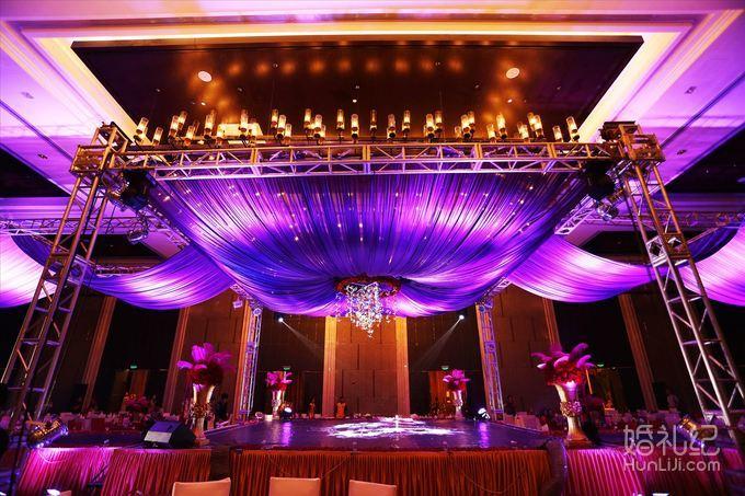 8.19 婚礼场地:高新皇冠酒店 婚礼主题:紫色系婚礼