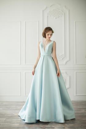 【丽莎皇宫】浪漫时刻——蓝色婚纱