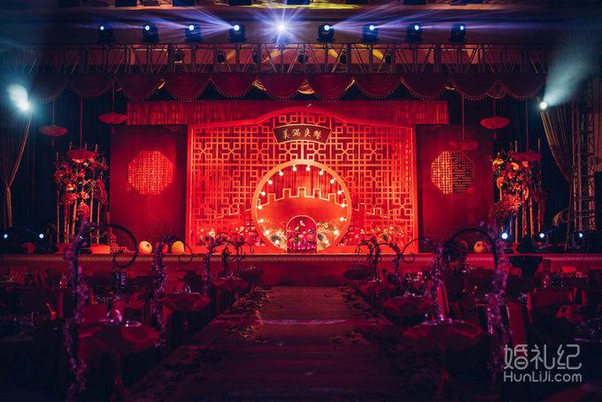 迎宾区 中式迎宾区域设计(含:鲜花,中式摆件) 新中式中国风婚礼舞台