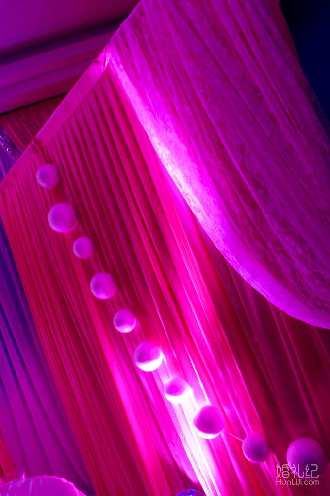 欧式花纹壁纸粉色