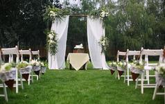三只熊花艺|细节处处精心的草坪婚礼
