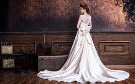 婚纱+妆造套系(2280总监、3080奢华婚纱)