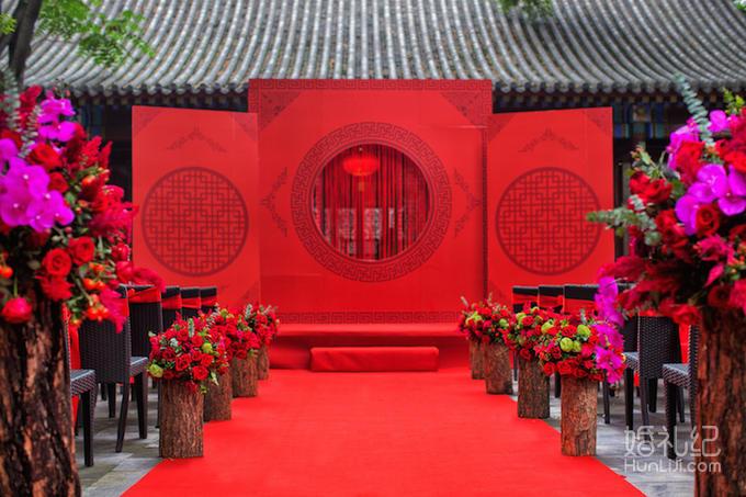 摄像师 资深  布置 迎宾区 迎宾水牌  仪式区 背景舞台    起点花艺