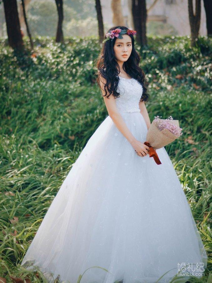 森系婚纱案例,婚纱礼服设计作品欣赏,婚礼纪 hunliji.