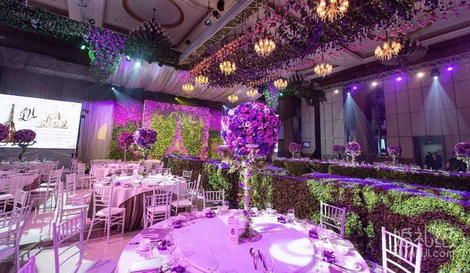 紫色背景墙边框简单又漂亮