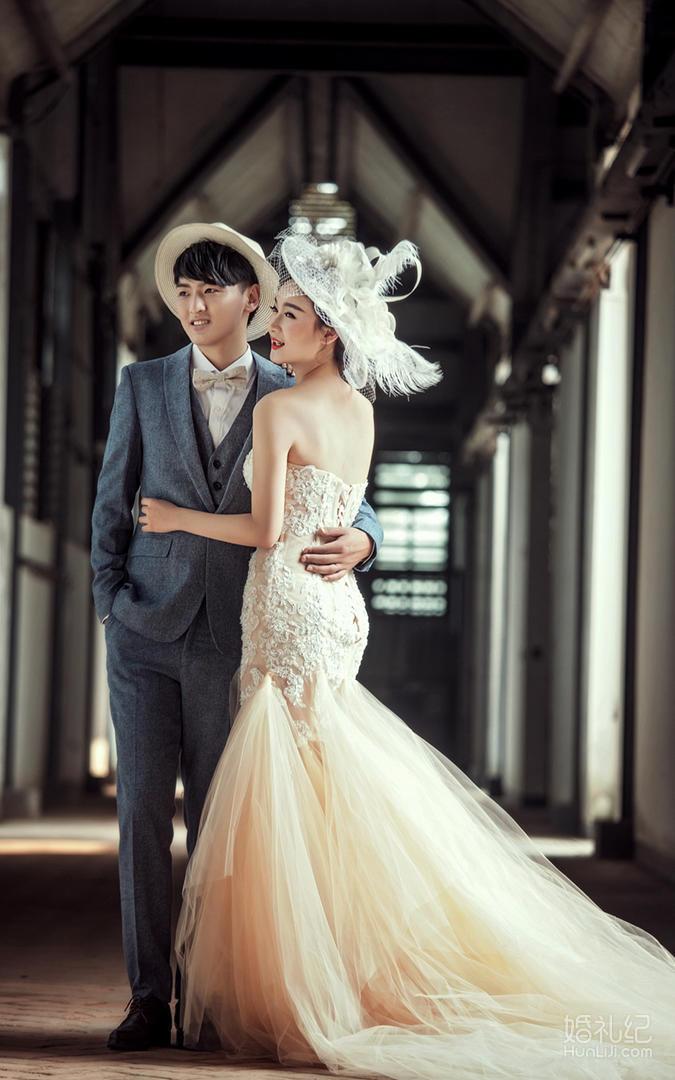 欧式婚庆服装图片