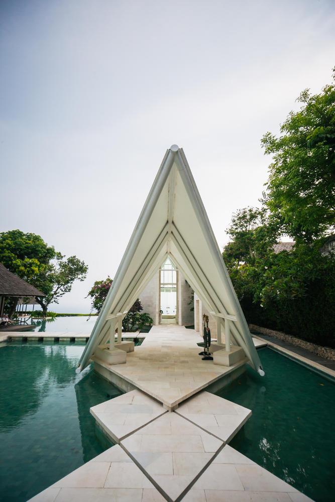 赠送120分钟双人巴厘岛特色spa 来宾饮品40杯 水之教堂婚礼专属结婚