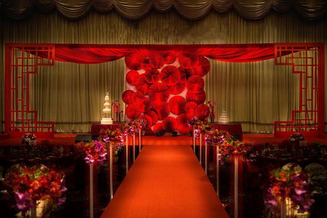 仪式区 舞台主背景  灯光舞美 婚礼灯光 光束灯 4个  舞美道具 泡泡