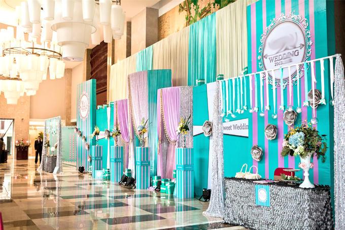 主题婚礼主背景设计(或可选大型飘顶或星空幕布) led屏8平方(超出面积