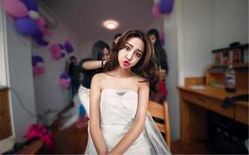 B套餐(3套服装+跟妆)新娘选择最多的