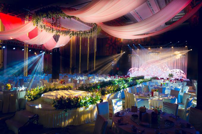 欧式中央舞台婚礼布置