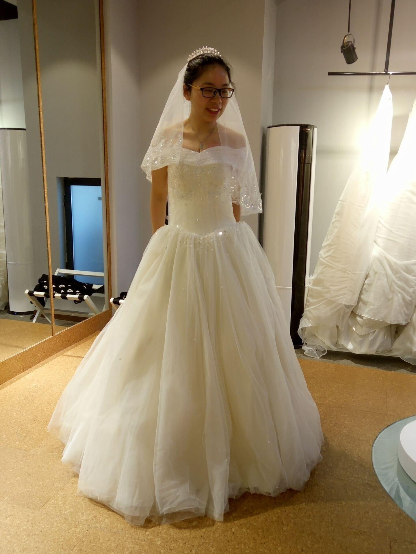 头纱婚纱礼服图片