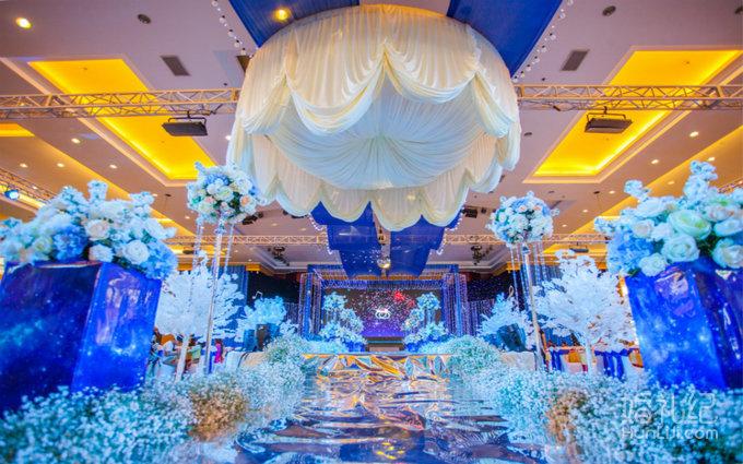 9 婚礼场地:玉溪汇龙生态园 婚礼主题:蓝色星空 婚礼摄像:扬子视角