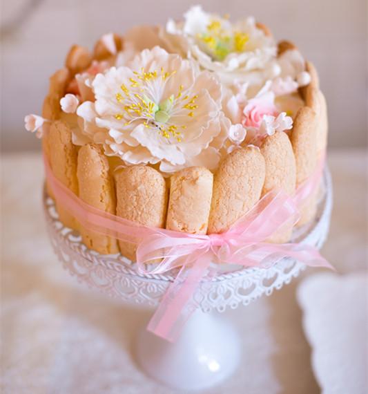 """""""花国之语""""粉白色系婚礼甜品台"""