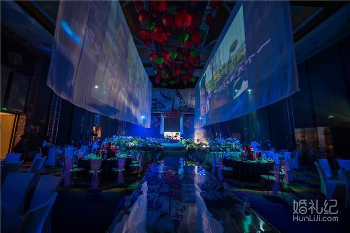 钢结构) 镜面地板 副舞台毛线 水晶花瓶15个 鱼儿80只 荷花50盆 宴会