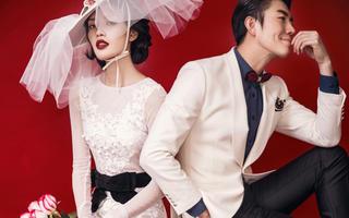 纯色系时尚婚纱照-霸道新娘