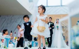 【革新定制婚礼纪实】总监级摄影师三机位+摄影助理