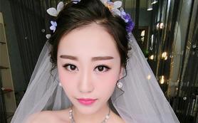 【卡洛美妆婚纱会馆】顶级造型师