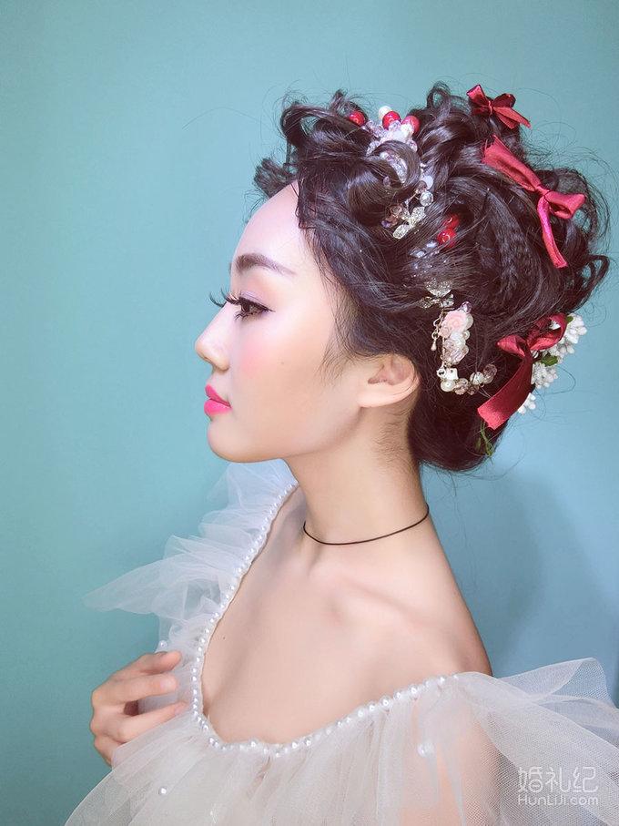 安吉莉娜甜美鲜花妆面造型,婚纱礼服设计作品欣赏,纪