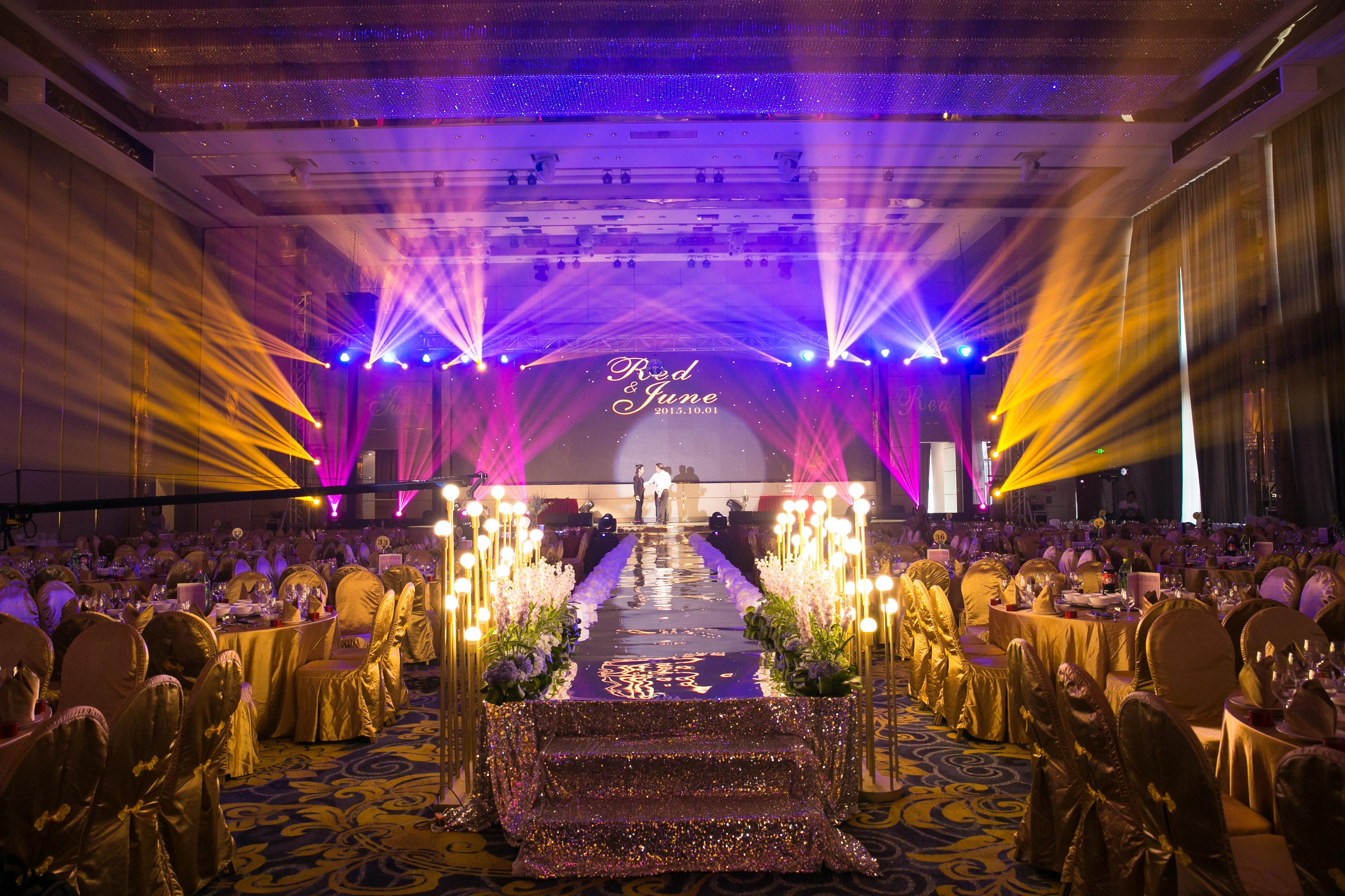 婚礼现场灯光布置 图片合集