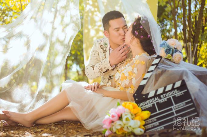 《蒙自麦田摄影工作室》婚纱照特价