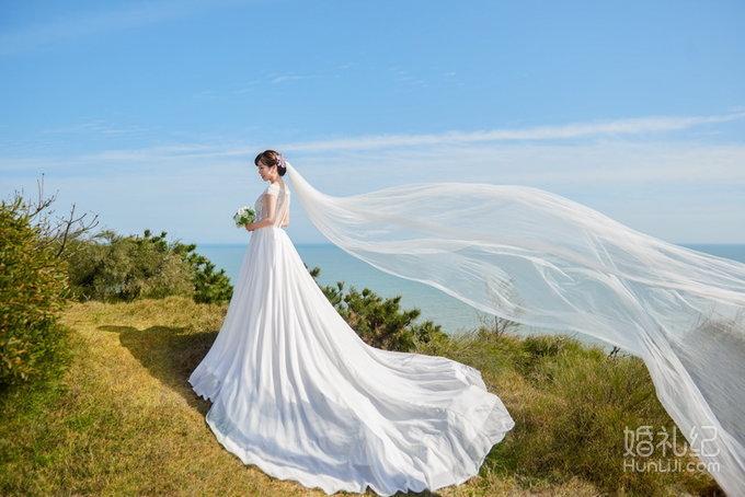 定制摄影 拍摄景点:平潭海边,福州公园 服装造型:5套 典藏时光婚纱客