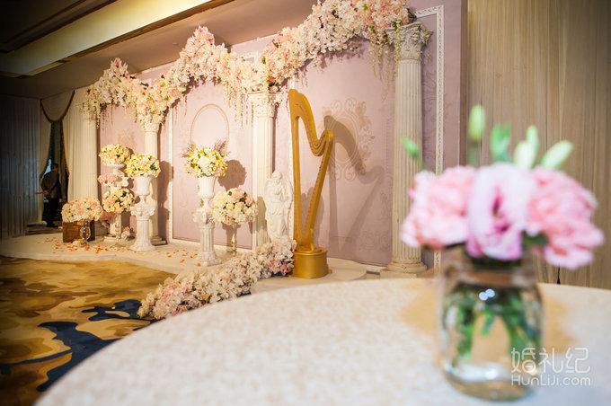19 婚礼场地:深圳瑞吉酒店 婚礼主题:香槟色,欧式,浪漫,梦幻