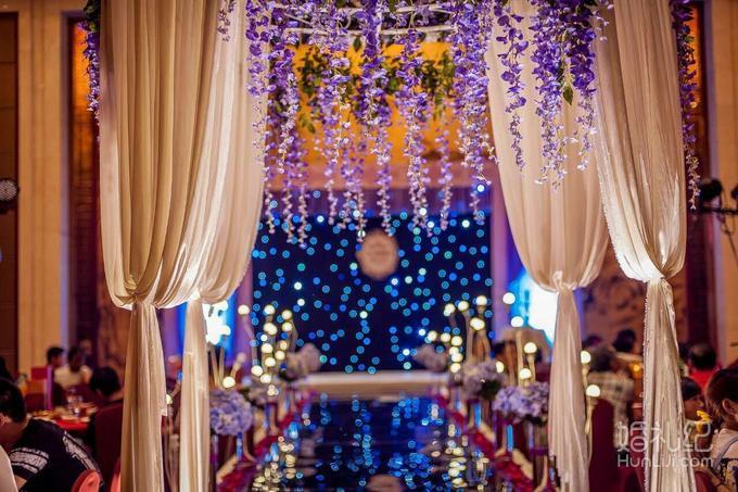 搭配婚礼主题 精美签到台布置(含签到本和签到笔) 欧式精美婚礼迎宾牌