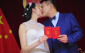 雕刻光影为您留下人生中最重要的一本证书--结婚证