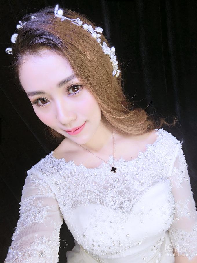 安吉莉娜韩式甜美新娘妆面