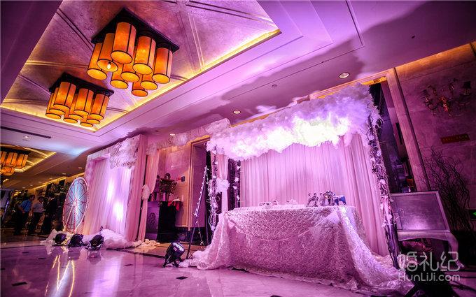 05 婚礼场地:旺角艳阳天 婚礼主题:粉色城堡风 婚礼摄影:首席 婚礼