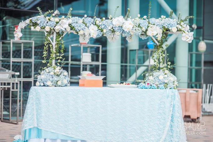 婚礼鲜花迎宾水牌1个  仪式区 爱情起点——欧式花厅1座,应季花材