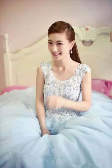 ROSA婚纱礼服