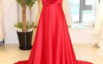 红色挂脖水晶大拖尾新娘礼服