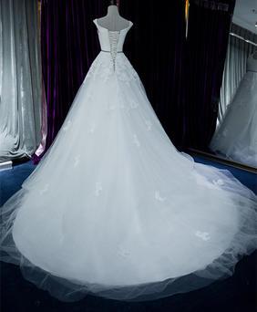 小拖尾婚纱3