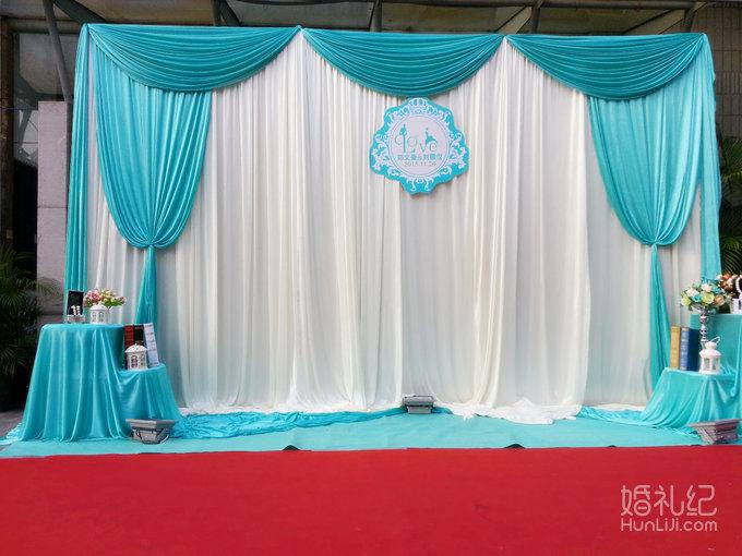 24 婚礼场地:向日葵西餐厅 婚礼主题:户外西式蒂芙妮蓝主题婚礼 婚礼图片