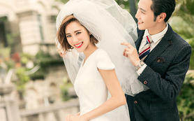 【梦里梦外】【特惠】总监跟妆+婚纱/礼服+亲友妆
