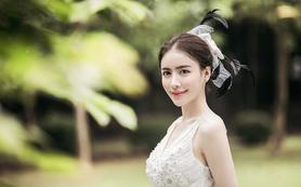 【梦里梦外】婚礼全程跟妆+婚纱/礼服一套+亲友妆