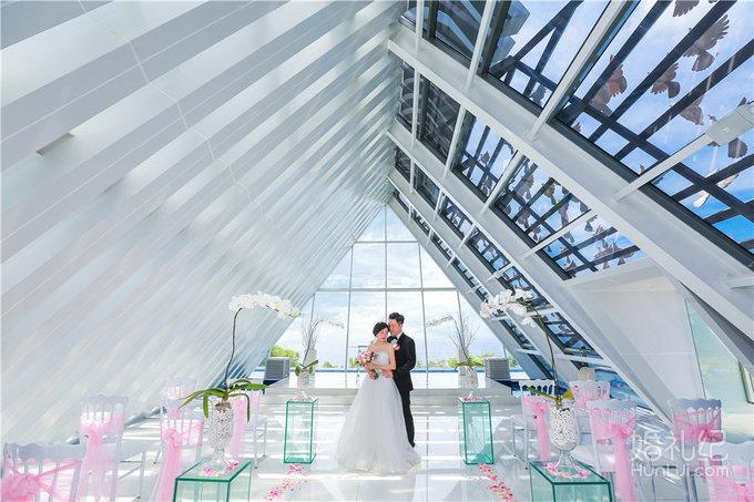 【芊寻海外婚礼】巴厘岛悦榕庄圣白羽教堂集体婚礼